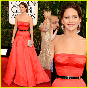 Jennifer-lawrence-golden-globes-2013-red-carpet