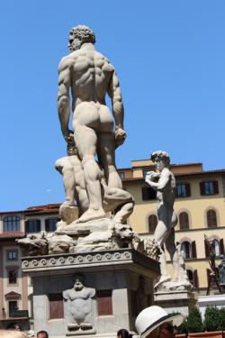 Nakedstatue