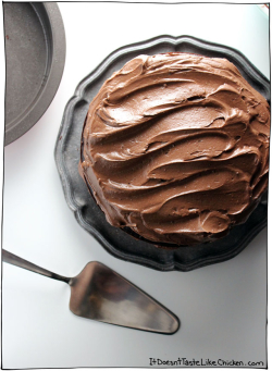 The-ultimate-vegan-chocolate-cake-09