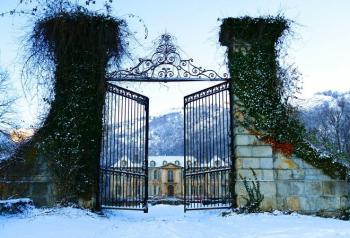 01-chateau-de-gudanes-christmas-decorations