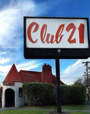 1484004985-club21