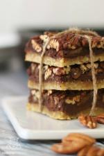 Chocolate-pecan-pie-bars-paleo-gluten-free